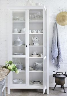 Fresh White Modern China Cabinet