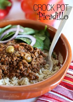 Crock Pot Picadillo | Skinnytaste _ 2 1/2 lbs 93% lean ground beef   1 cup minced onion   1 cup diced red bell peppers   3 cloves garlic, minced   1/4 cup minced cilantro   1 small tomato, diced   8 oz can tomato sauce   1/4 cup alcaparrado (manzanilla olives, pimientos, capers) or green olives   1 1/2 tsp ground cumin   1/4 tsp garlic powder   2 bay leaves   kosher salt and fresh pepper, to taste