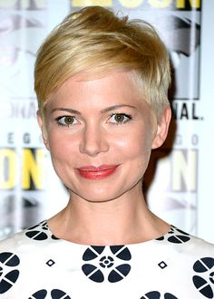 Best Celebrity Haircuts: From Short to Long: Michelle Williams