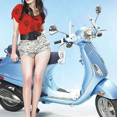 Scooter Girl Vespas 11
