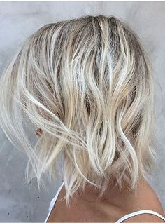Mid lenght haircut. Waves. Blonde. Ideas for getting a haircut. Fashion trends.