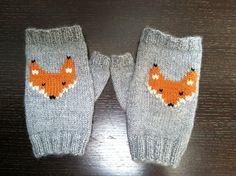 Ravelry: Suzy-ette's Foxy Fingerless Gloves