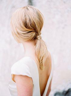 Loose ponytail | Parisian organic wedding style