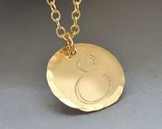 Check out Initial Disc Necklace, Hammered Disc Necklace, Personalized, Celebruty Inspired, Gold Hammered Necklace, Metalwork Jewelry, on malizbijoux