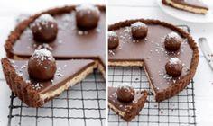 Recept na nepečenú bounty tortu: Zamilujete si ju hneď po prvom kúsku! Sweet Desserts, Sweet Recipes, Ice Cream Recipes, Cheesecake Recipes, Cheesecakes, Waffles, Food And Drink, Pudding, Sweets