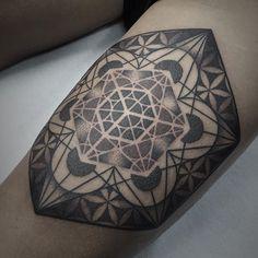 WEBSTA @ prada_tattoo - Metatron cube I did yesterday at @humanflytattoo➕ Gracias Gonzalo por viajar para esta pieza!
