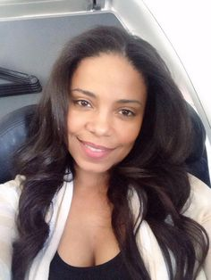 Happy Friday my loves! #Airplaneselfie  pic.twitter.com/lELbztTRzN