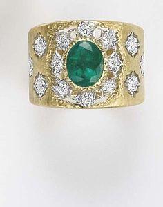 BUCCELLATI. An Emerald, Diamond and Gold Ring.