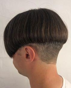 Bowl Haircuts, Short Bob Haircuts, Haircuts For Men, Hair Art, Men's Hair, High And Tight, Mens Hair Trends, Bald Fade, Bowl Cut