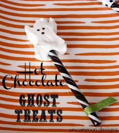 Make the easiest ghost treats for your Halloween hot chocolate... ever!