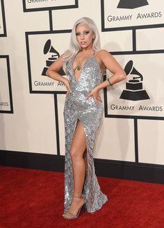 Top 5 looks maravilhosos do red carpet: Lady Gaga - Guita Moda Images Lady Gaga, Lady Gaga Pictures, Grammy Fashion, Lady Gaga Fashion, Girl Fashion, Lady Gaga Grammy, Jennifer Lopez, Fotos Lady Gaga, Rihanna