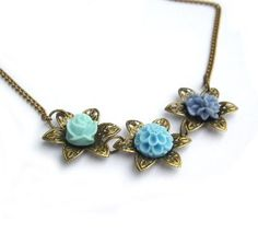 Flower necklace turquoise...