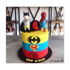 Batman ,Superman ,Spiderman  Super Heroes cake