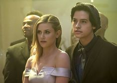 """Riverdale -- """"Chapter Eleven: To Riverdale and Back Again"""" -- Image Number: -- Pictured (L-R): Lili Reinhart as Betty Cooper and Cole Sprouse as Jughead Jones -- Photo: Katie Yu/The CW -- © 2017 The CW Network. All Rights Reservedpn Riverdale Season 1, Riverdale Merch, Bughead Riverdale, Riverdale Fashion, Betty Cooper, Archie Comics, The Cw, Jason Momoa, Stranger Things"""