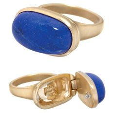 Nefertiti Poison Ring by the extremely fabulous Wendy Brandes. It features a bright lapis lazuli in gold. Bijoux Lapis Lazuli, Jewelry Rings, Fine Jewelry, Jewellery, Poison Ring, Leaf Engagement Ring, Delicate Rings, Diamond Wedding Rings, Or Antique