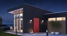 Rød ytterdør Ganges Garage Doors, Mansions, House Styles, Outdoor Decor, Home Decor, Decoration Home, Room Decor, Fancy Houses, Carriage Doors