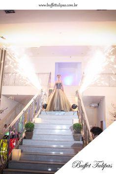 Faça sua festa de debutante aqui no Buffet Tulipas! Faça de um momento especial, ainda mais especial!  (11) 2076-9919  www.buffettulipas.com.br