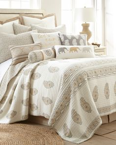 Paisley Print Luxury Quilt - Full/Queen, Main View