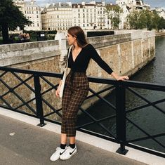 Discovered by Vogue. Find images and videos about girl, fashion and style on We Heart It - the app to get lost in what you love. Mode Outfits, Fall Outfits, Summer Outfits, Casual Outfits, Fashion Outfits, Womens Fashion, School Outfits, Night Outfits, Ladies Fashion