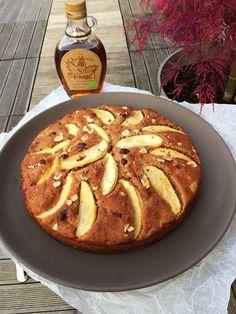 Gâteau d'automne aux pommes, noisettes & sirop d'érable