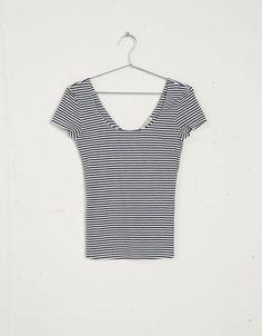 Bershka cross-back print t-shirt - T- Shirts - Bershka United Kingdom