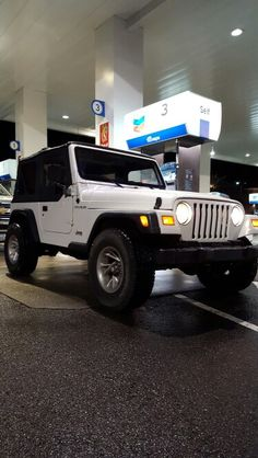 Just bought this 2000 jeep wrangler