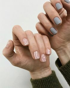 The best classic manicures with stylish, yet subtle nail art for Spring 2020 Minimalist Nails, Winter Nail Art, Winter Nails, Nail Manicure, Diy Nails, Mode Inspiration, Nails Inspiration, Nail Art Designs, Subtle Nail Art