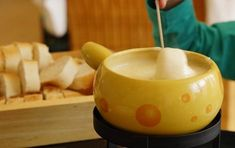 Try four delicious fondue recipes using cheese, chocolate, butterscotch, or oil! I also wrote a brief history of this popular dish along with proper etiquette you can keep in mind at your next party. American Buttercream Frosting Recipe, Frosting Recipes, Store Bought Icing, Beach Themed Cakes, Sauvignon Blanc, Fondue Party, Rolling Fondant, Recipe Using, Cheddar