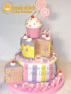 Amazing Cake-Cake!!  Full shot of cake  is shown below   ~ all edible