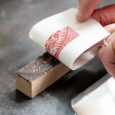 Angie Lewin printing a wood engraved block for a series of patterned papers Angie Lewin, Unalome, Jojo Fletcher, Linocut Prints, Poster Prints, Arts And Crafts Box, Lino Art, Homemade Stamps, Impression Textile