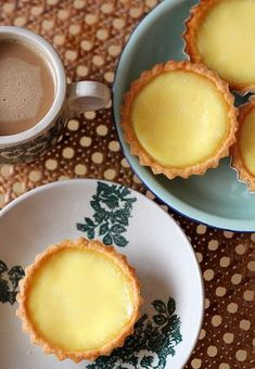 Recipe for one of Hong Kong's favorite foods. We are talking about the Egg Tarts from the famous Tai Cheong bakery. One of the egg tart expert there reveals the recipe. Tai Cheong's cookie-crust is really very different from the other bakeries (uses half butter and half margarine).