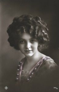 1000+ images about 1910s hairstyles on Pinterest ...