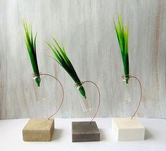 Master Bedroom Decorating Concepts - DIY Crown Molding Set Up Concrete Vse Mini Bottle Vase Hanging Glass Vase Geometric Vase Crafts, Concrete Crafts, Old Vases, Large Vases, Paper Vase, Diy Paper, Wooden Vase, Metal Vase, Metal Tree Wall Art