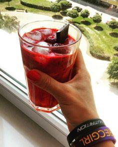 przepis na dietetyczne smoothie truskawkowe, truskawki, deser, odchudzanie, jak schudnąć, co jeść trecgirl, strawberry, strawberries, summer, holiday, vacation, wakacje, lato, lody, icecream, shake