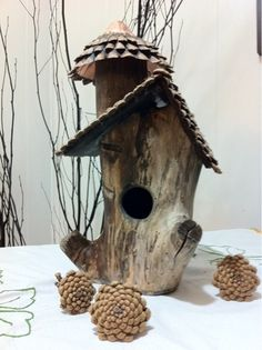 *hollow log birdhouse* {link goes nowhere}. Idea for roof: use pine cone scales as per this diy link -> http://pinterest.com/pin/81205599502828215/