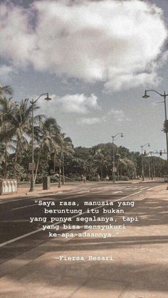 New Quotes Deep That Make You Think Indonesia Ideas - Fushion News Quotes Rindu, Story Quotes, Tumblr Quotes, Text Quotes, Quran Quotes, Words Quotes, Muslim Quotes, Islamic Quotes, Quotes Lockscreen