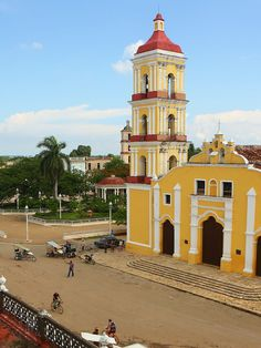 Cuba's Cienfuegos Province is home to splendid colonial architecture & the Museo de Che, while Villa Clara hosts a famous health spa & excellent hiking.