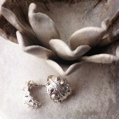 wow, that is a stunning pair of earrings if you ask me.  www.arianerocherjewellery.com