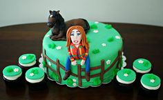 Horse back riding graduation cake by Snacky French