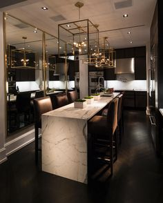 Looking for luxury kitchen design inspiration? Look into our leading 63 favorite examples of seriously trendy luxury kitchen areas and unique. Interior Design Minimalist, Interior Design Kitchen, Interior Ideas, Luxury Interior Design, Room Interior, Classic Interior, Interior Paint, Marble Interior, Luxury Kitchen Design