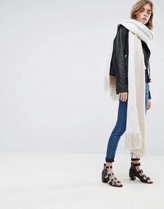 8851c8cd210c7d Discover Fashion Online Quasten, Schals, Farben, Stricken, Farbblockierung,  Staubmantel, Asos