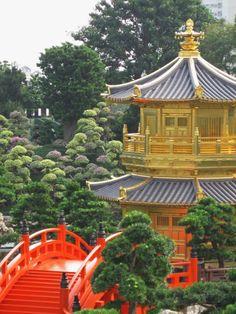 Golden temple - Diamond Hill, Hong Kong.