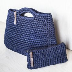 Minimalist Rose Everyday Bag/ Ladies Handbag/ Casual Bag/ Shopper Bag/ Everyday Woman's Bag/ Crochet Bag of Cotton Recycled Chunky yarn - Crotchet Bags, Bag Crochet, Chunky Crochet, Chunky Yarn, Crochet Purses, Knitted Bags, Cotton Crochet, Tshirt Garn, Fabric Factory