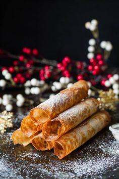Strull/krumkaker - Ida Gran Jansen Christmas 2019, Xmas, Recipe Boards, Panna Cotta, Baking, Cake, Ethnic Recipes, Sweet, Snacks