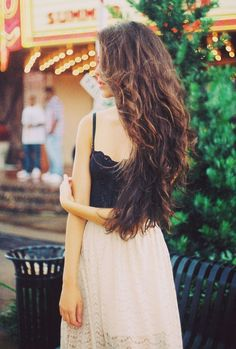 Chic and stylish brown hairstyle, If your hair is short, you can use  these extensions to get this look!