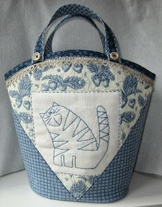 Lappeklipp - love the cat, love the fabric, would use a different tote pattern