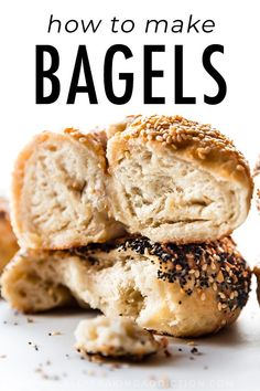 This easy homemade bagel recipe proves that you can make deliciously chewy bagel. - This easy homemade bagel recipe proves that you can make deliciously chewy bagels in your own kitch - Bakery Recipes, Cooking Recipes, Medeteranian Recipes, Recipies, How To Make Bagels, Homemade Bagels, Homemade Recipe, Homemade Pretzels, Homemade Tools