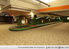 Hobbit-themed baggage carousel from Air New Zealand