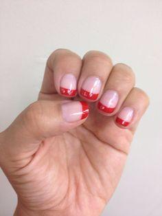 Manicure red