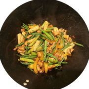 What Are the Ingredients of Stir-Fry Sauce? | eHow